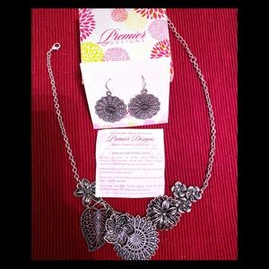 Premier Designs Floral Silver 2-pcs Jewelry Set